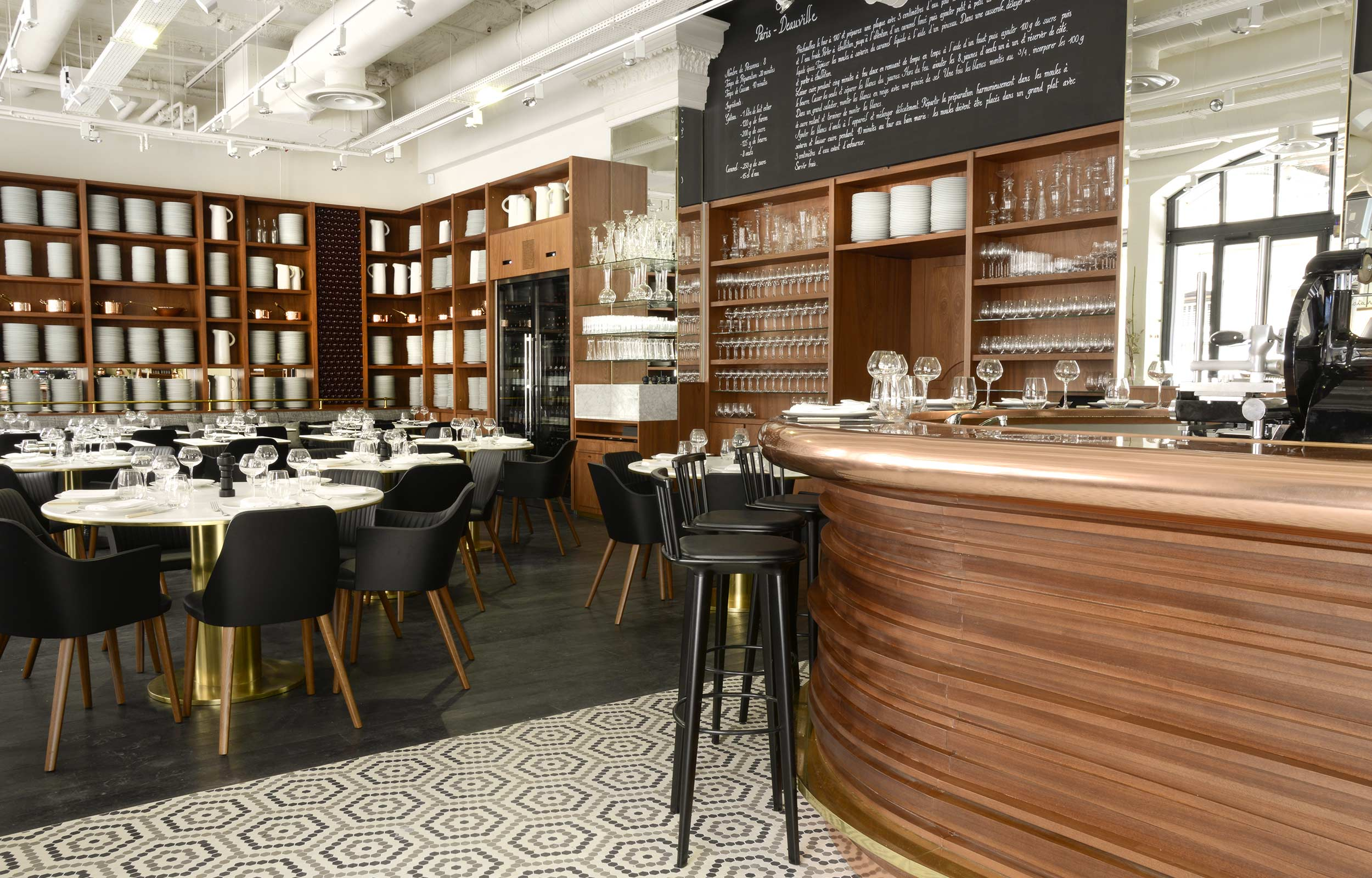 Le lazare le bistrot chic d eric fr chon madimado 39 s blog for Table cuisine bistrot
