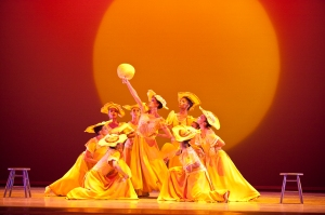 Segerstrom-Center-Alvin-Ailey-American-Dance-Theater-in-Alvin-Ailey-s-Revelations-Photo-by-Gert-Krautbauer