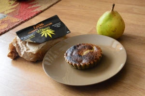 Gâteau poire-sésame-chanvre