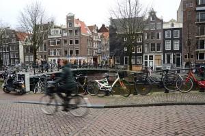 Amsterdam - pont, cycliste, vélos