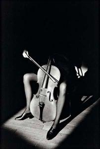 Le violoncelle, Jeanloup Sieff, 1985